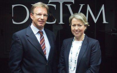 Dictum nombra socios a Carmen Senés y Ricardo Palomo